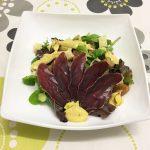 Ensalada gourmet con cecina de ciervo y queso Record por @RCocinillas