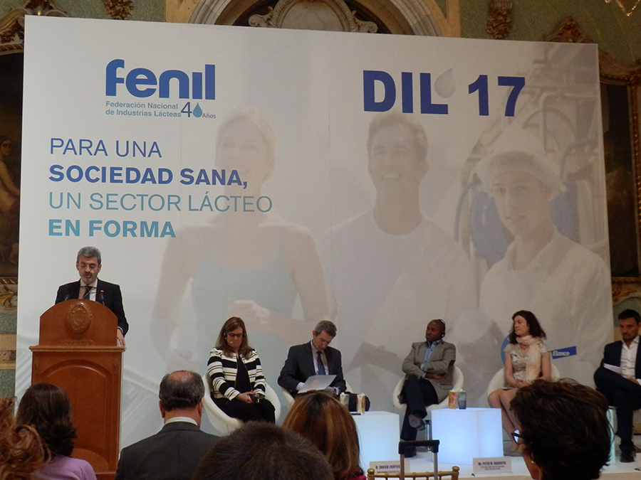 Encuentro de ponentes y participantes de la FENIL